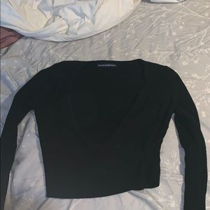 Low Cut Cropped long sleeve